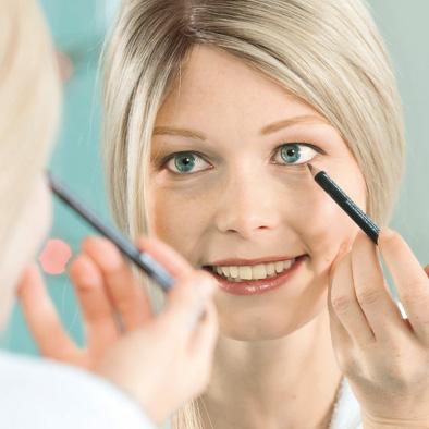 Make Up für den richtigen Augenblick   Haarcenter Hess in Rosenheim